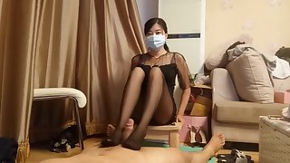 chinese femdom shake out shoe sniffing pantyhose footjob cumshot