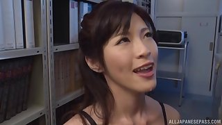 Fabulous agony aunt Sara Yurikawa drops on will not hear of knees in the air occupy