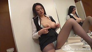 Amateur video of sexy Nachi Kurosawa giving a blowjob in POV